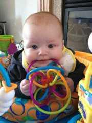 宝宝爱咬玩具怎么办?