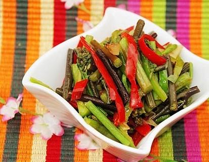 蕨菜炒肉丝怀孕第十个月食谱