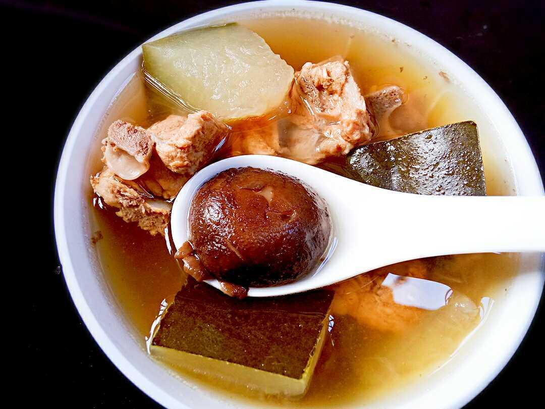 】冬瓜香菇排骨汤