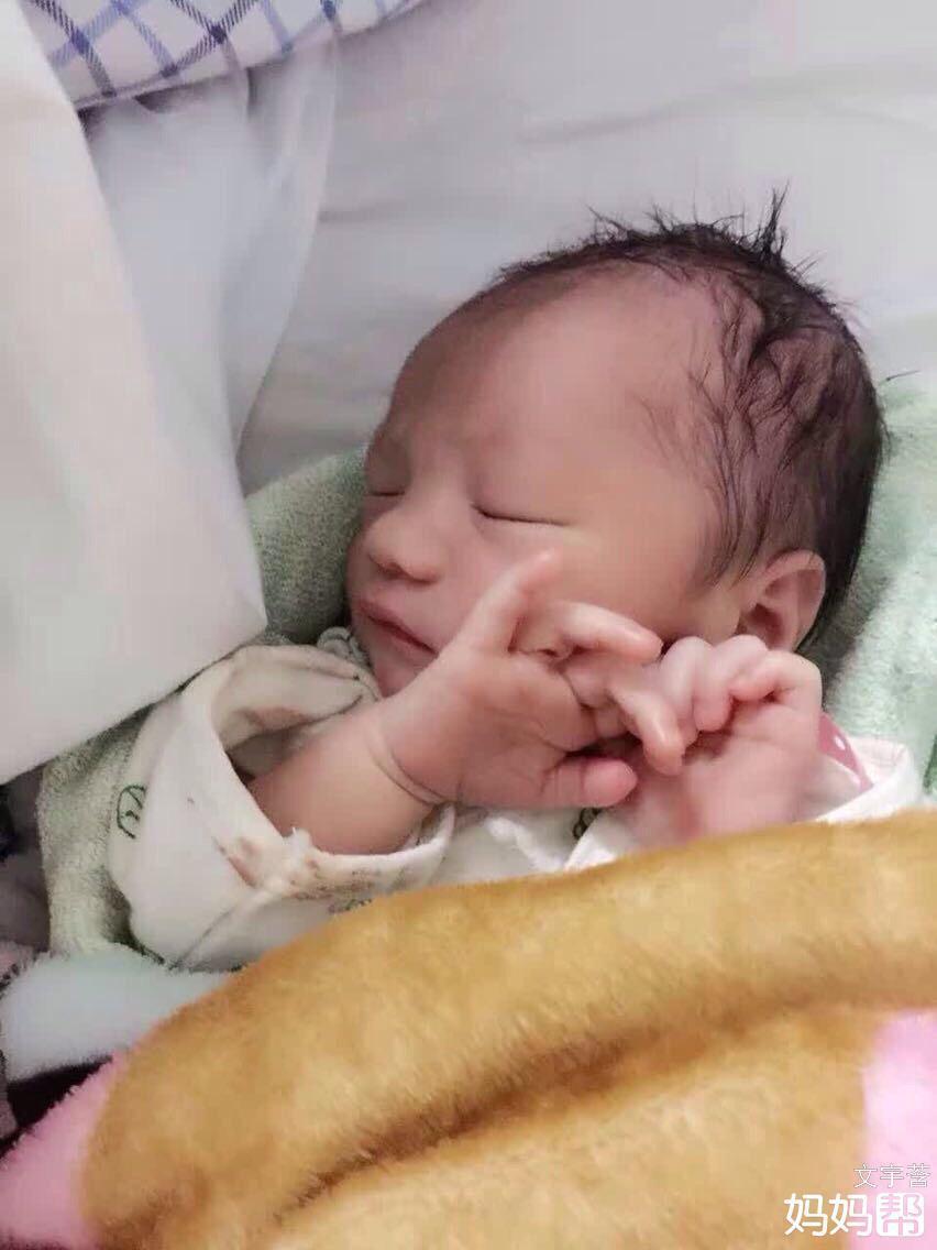 欧美男宝宝睡觉头像