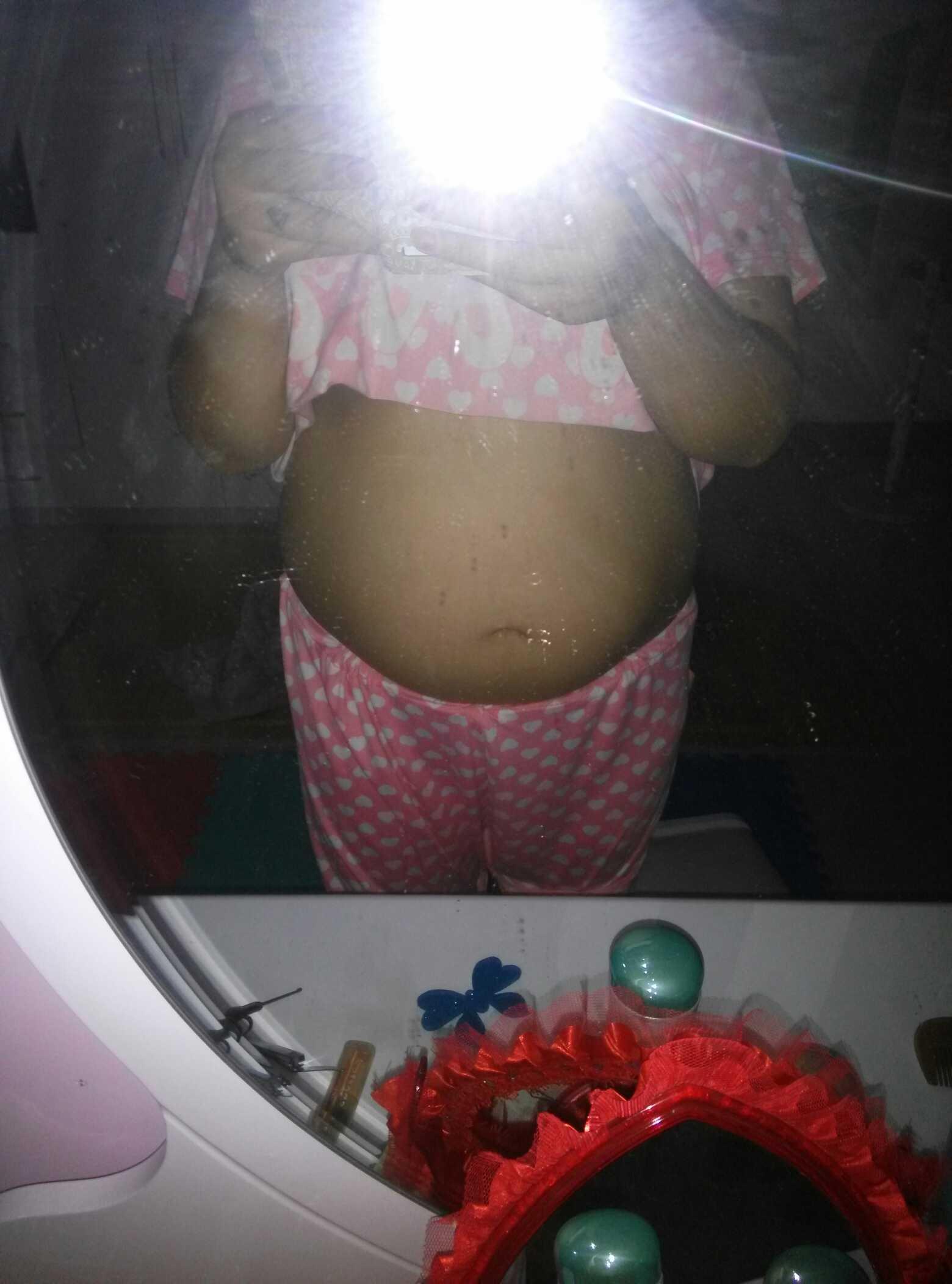 姐姐总是说我肚子大像27周的样子.肚子大吗?