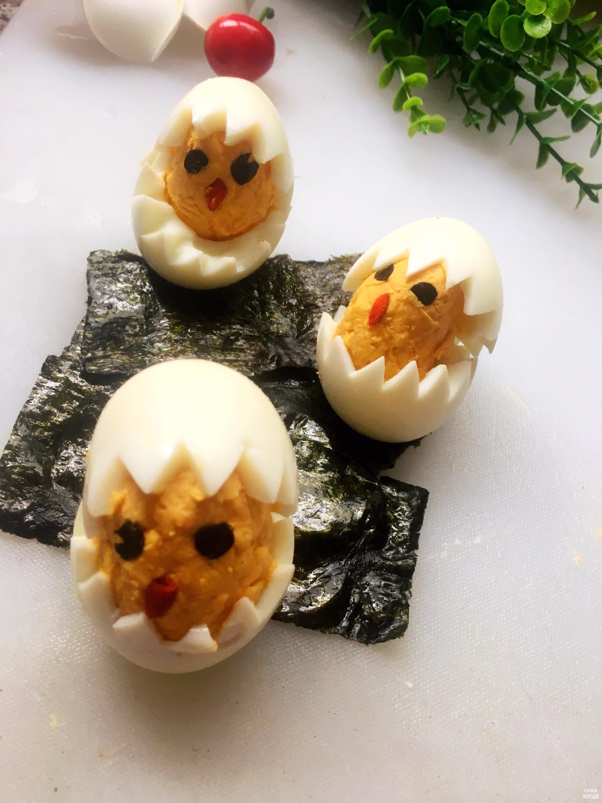 【五彩缤纷辅食秀】之黄白色+水煮蛋孵出萌小鸡