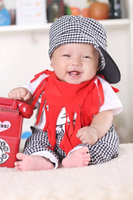 宝宝 左右/我宝宝4个月的时候就有15.8斤了,当时是混合喂养,现在只喂羊奶...