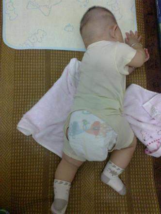 有木有宝宝有这种睡姿的
