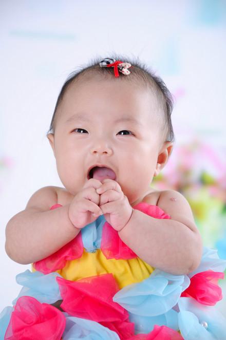 女宝3个月零17天了,大家的宝宝现在体重身高都