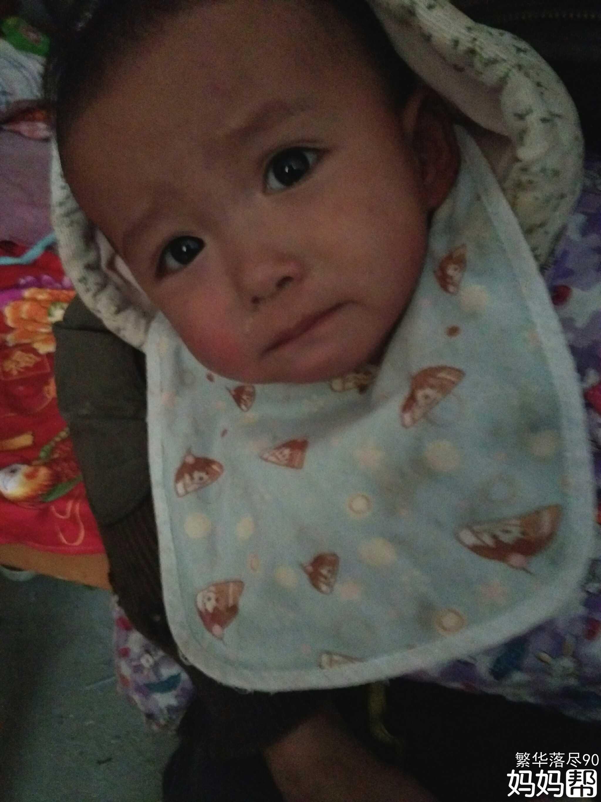 我家宝宝五个月了最近几天老是咳嗽吃了好多咳嗽的药也没有效果请问要怎么做